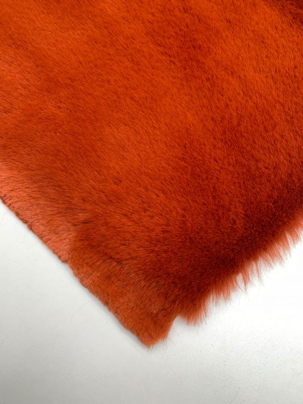 Nuances Fabrics Tissu Fourrure Syrah Safran 1